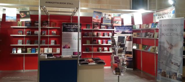 Book Fair 2013 -4