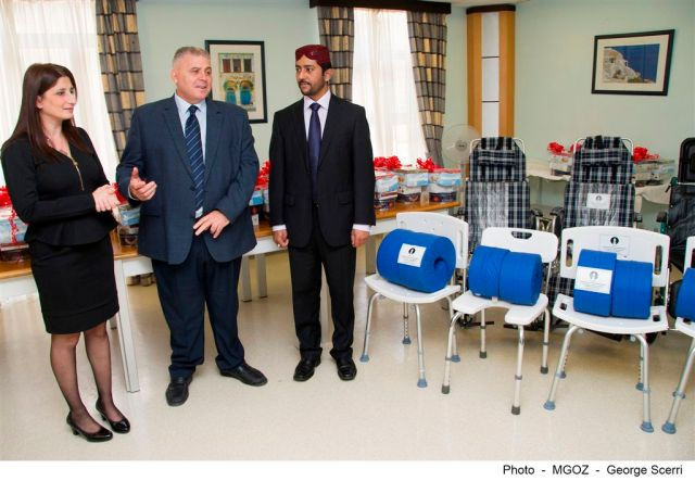 Ahmadiyya donates in Gozo-02
